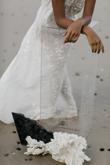 Effortlessly Cool Lava Rock Beach Wedding Inspiration in Byron Bay – Megan Kelly Photo 24
