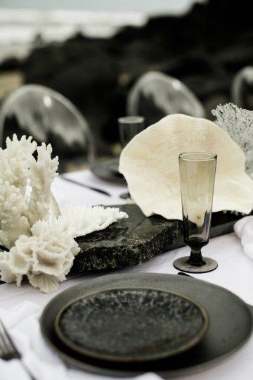 Effortlessly Cool Lava Rock Beach Wedding Inspiration in Byron Bay – Megan Kelly Photo 4