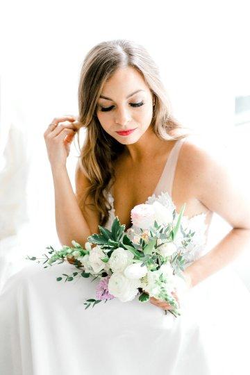 Monica Phoebe and Rachel Friends Bridal Inspiration – Lora Grady Photography 17
