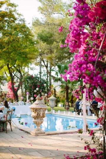 Posh Mallorca Pool Party Wedding at a Rustic Spanish Villa – Sandra Manas 40