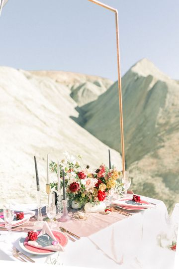 Rainbow Basin Desert Wedding Inspiration with Moon Stationery – Victoria Masai Photography 19