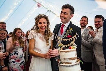 Charming English Wildflower Wedding At The Family Farm – Jonny Barratt Wedding Photography 15