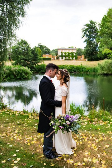 Charming English Wildflower Wedding At The Family Farm – Jonny Barratt Wedding Photography 36