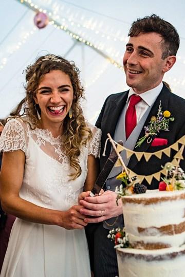 Charming English Wildflower Wedding At The Family Farm – Jonny Barratt Wedding Photography 42