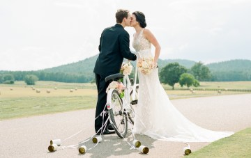 Southern Grandma-Approved Wedding Inspiration (With A Getaway Bicycle!)