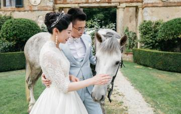 Lavish Jazz-era Destination Wedding In Tuscany (With Four Stunning Dresses!)