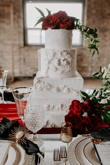 Whimsical Red and Green Wedding Inspiration with Russian Folk Details – Whim and Willow Photo 12
