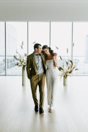 Chic Fall Loft Wedding Inspiration from Toronto – Shannon Robbins Photography – June Bloom Events 42