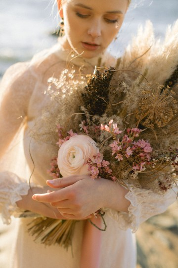 Gorgeous Coastal Ireland Wedding Inspiration – White Cat Studio – Petal and Twine 27