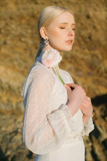 Gorgeous Coastal Ireland Wedding Inspiration – White Cat Studio – Petal and Twine 32