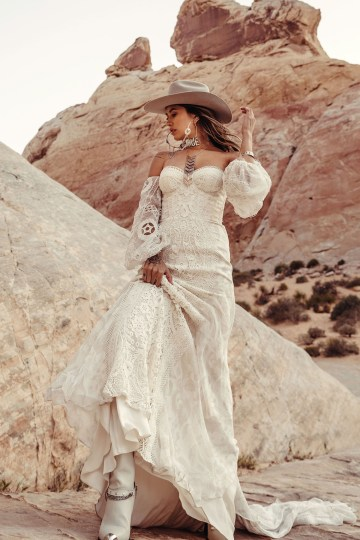 Rue de Seine Moonrise Canyon Wedding Dress Collection – River Gown 4