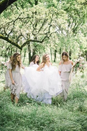 Whimsical Floral-Filled Woodland Wedding – Walnut and Main – Irina Turkova Photography 15