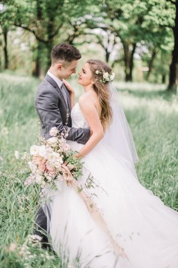 Whimsical Floral-Filled Woodland Wedding – Walnut and Main – Irina Turkova Photography 24