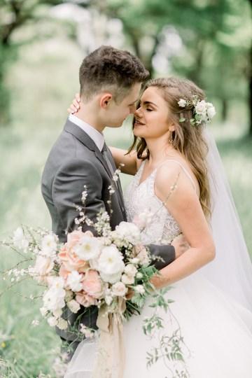 Whimsical Floral-Filled Woodland Wedding – Walnut and Main – Irina Turkova Photography 27
