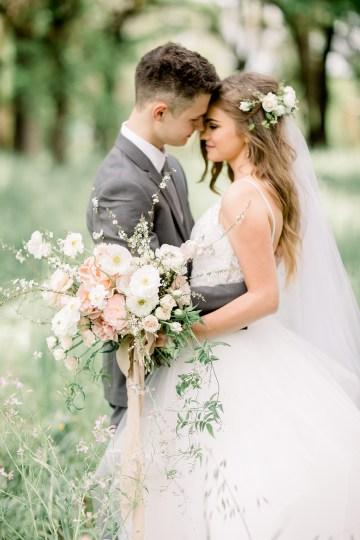 Whimsical Floral-Filled Woodland Wedding – Walnut and Main – Irina Turkova Photography 28