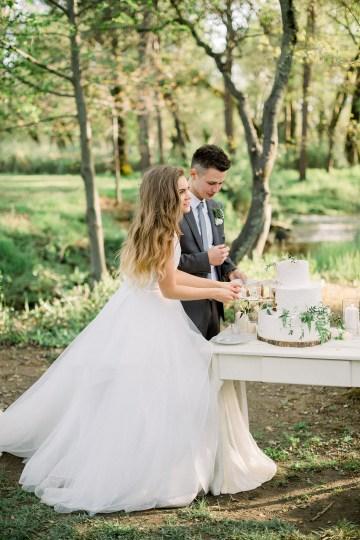 Whimsical Floral-Filled Woodland Wedding – Walnut and Main – Irina Turkova Photography 74