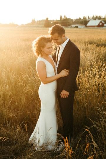 Joyous Oregon Berry Farm Wedding – Phil Chester – Peachy Keen Coordination – Hoffman Farm Store 34