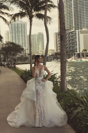 Showstopping Dazzling WONA Bridal Wedding Dresses – Miami – Avrora 1