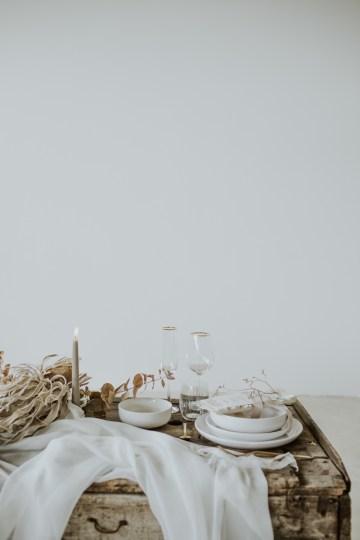 White and Taupe Minimalistic Wedding Inspiration – Vanessa Illi 20