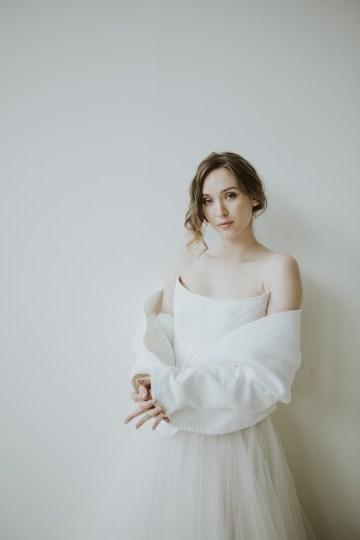 White and Taupe Minimalistic Wedding Inspiration – Vanessa Illi 28