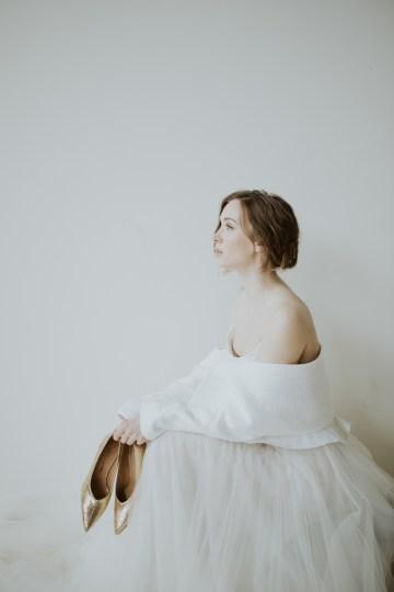 White and Taupe Minimalistic Wedding Inspiration – Vanessa Illi 29