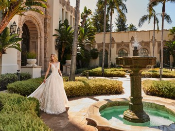 10 Gorgeous Ball Gown Wedding Dresses – Val Stefani – D8222_WC