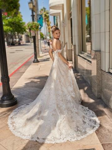 10 Gorgeous Ball Gown Wedding Dresses – Val Stefani – D8226_B