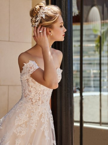 10 Gorgeous Ball Gown Wedding Dresses – Val Stefani – D8226_C2