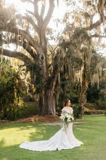 Magical Intimate Southern Wedding Under The Oak Trees – Pure Luxe Bride – Lydia Ruth Photography 23