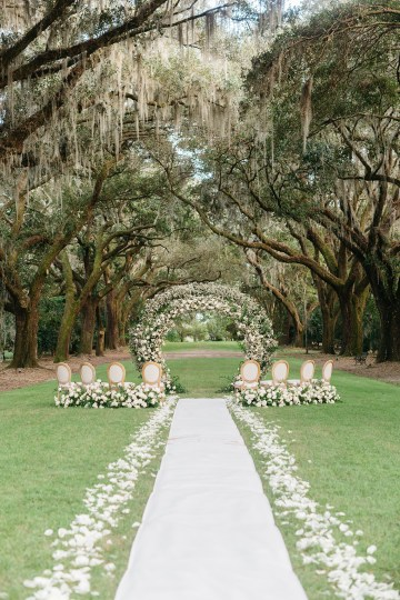 Magical Intimate Southern Wedding Under The Oak Trees – Pure Luxe Bride – Lydia Ruth Photography 32