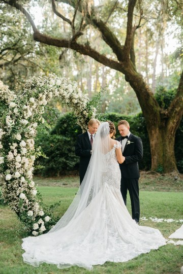 Magical Intimate Southern Wedding Under The Oak Trees – Pure Luxe Bride – Lydia Ruth Photography 36