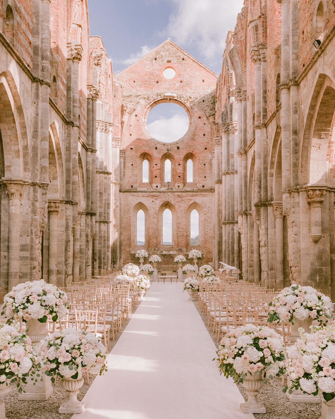10 Stunning Wedding Venues In Italy We're Dying To Visit