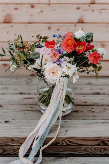 Pretty Meadow Wedding in the Czech Republic – Carols Darkroom 19