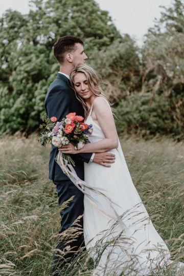 Pretty Meadow Wedding in the Czech Republic – Carols Darkroom 36