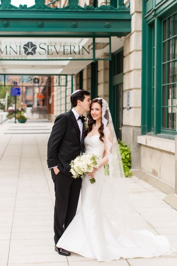 Ornate Jewish Ballroom Wedding with the Brides Grandmothers Wedding Dress – Danielle Harris Photography 15
