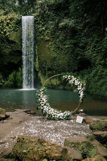Breathtaking Bali Waterfall Elopement – Vladimir Borodenok 11