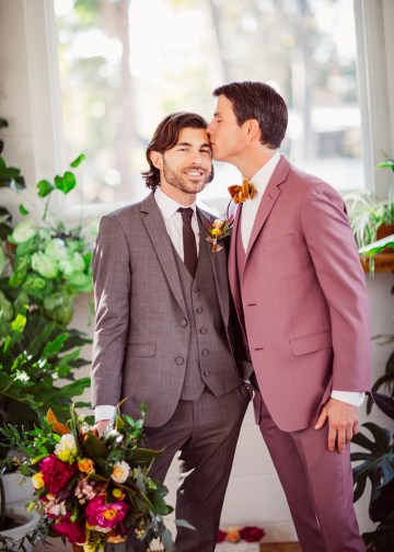 How to Decorate A Tropical Wedding for Your Home or Backyard – Light and Space – Bright Bird Photography 16