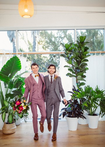How to Decorate A Tropical Wedding for Your Home or Backyard – Light and Space – Bright Bird Photography 29