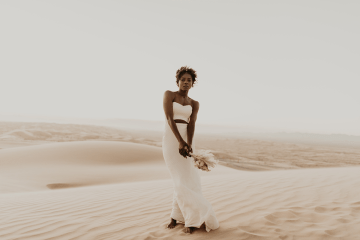 Desert Sand Dune Wedding Inspiration with Natural Hair Ideas for Black Brides – Tor Hawley – The LAW Bridal 10