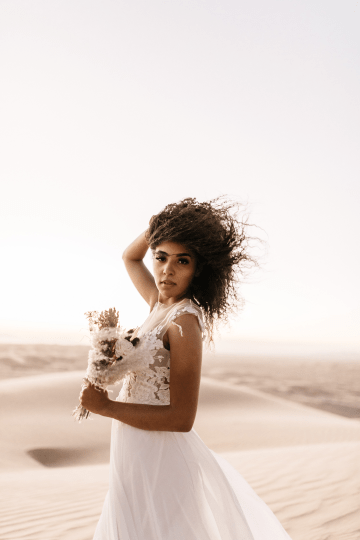 Desert Sand Dune Wedding Inspiration with Natural Hair Ideas for Black Brides – Tor Hawley – The LAW Bridal 48