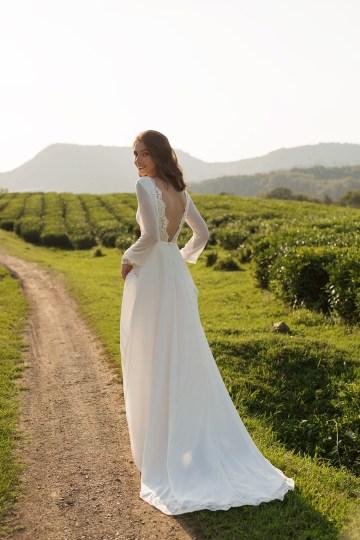 Feminine Simple Minimalistic Wedding Dresses by Mila Bridal 2020 2021 – Bridal Musings 15