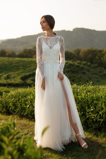 Feminine Simple Minimalistic Wedding Dresses by Mila Bridal 2020 2021 – Bridal Musings 21