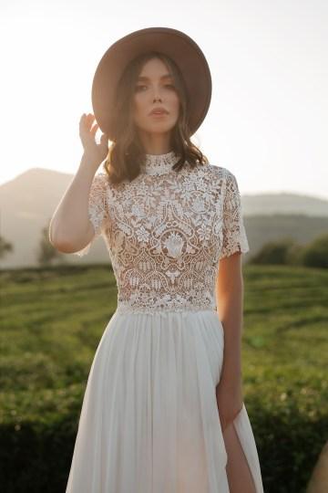 Feminine Simple Minimalistic Wedding Dresses by Mila Bridal 2020 2021 – Bridal Musings 22