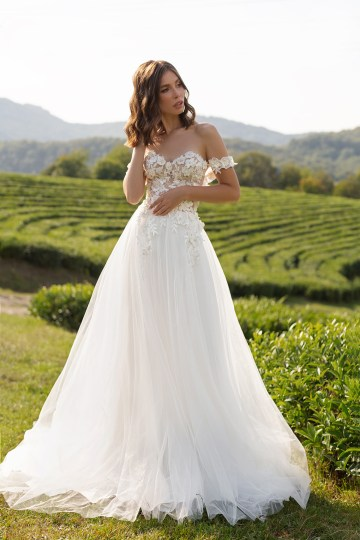 Feminine Simple Minimalistic Wedding Dresses by Mila Bridal 2020 2021 – Bridal Musings 5