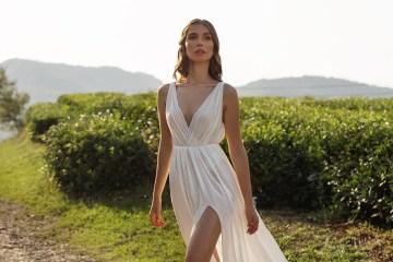 Feminine Simple Minimalistic Wedding Dresses by Mila Bridal 2020 2021 – Bridal Musings 58