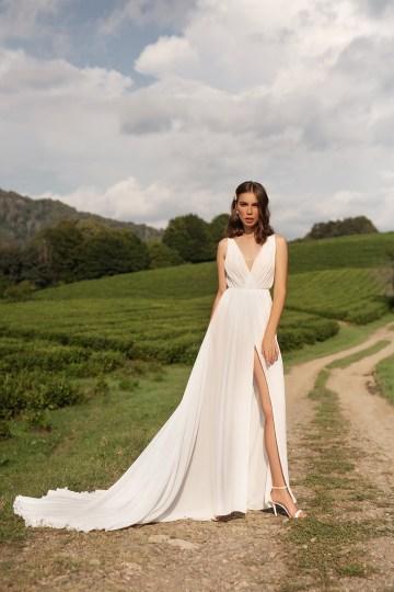 Feminine Simple Minimalistic Wedding Dresses by Mila Bridal 2020 2021 – Bridal Musings 8