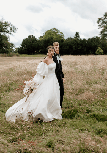 Fashion-forward Countryside Wedding Inspiration – Elmore Court – Laura Martha Photography 36