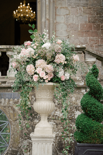 Fairytale Royal English Wedding Inspiration at Clearwater Castle – Sara Cooper Photography – Smitten Weddings 36