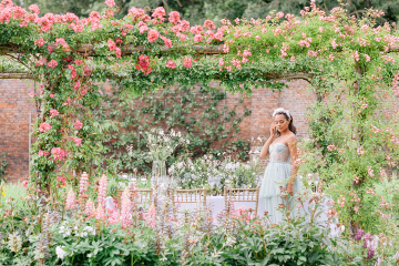 Elegant British Garden Inspired Wedding Ideas at Newburgh Priory – Felisiti Greis – Elsie Love Photography 4