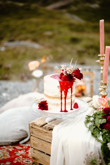 Stunning Scotland Highlands Elopement Inspiration – Alia PAIENDA – E and W Couture 14